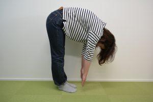 治療前、背中や腰が固くなってしまい可動域が狭まる
